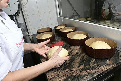 patesfabriquer-panettone-pretes-enfourne