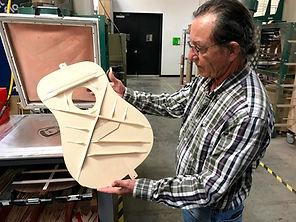 GUILD TOUR - inspecting guitar bracing