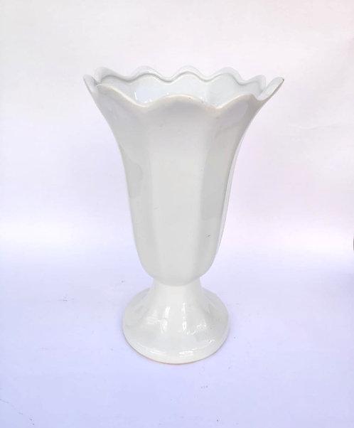 Vaso branco G ondinhas
