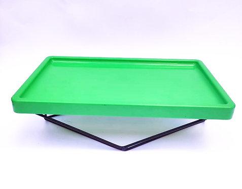 Bandeja verde com suporte