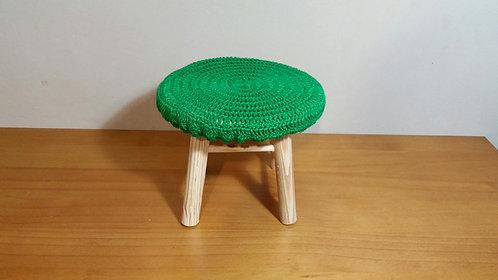 Banquinho crochê verde