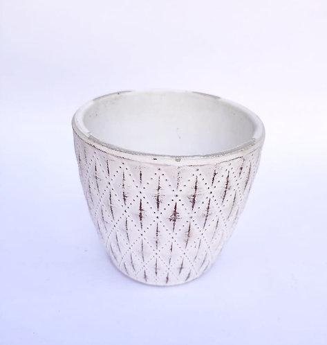 Vaso cerâmica branco trabalhado