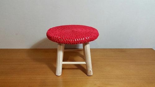 Banquinho crochê vermelho