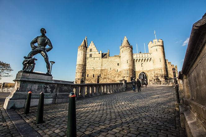 Antwerpen Burg Steen Lange Wapper