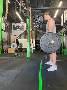 community fitness, group fitness, alamo180, fitness, san antonio fitness, deadlift, weightlifting, barbell, fitness classes