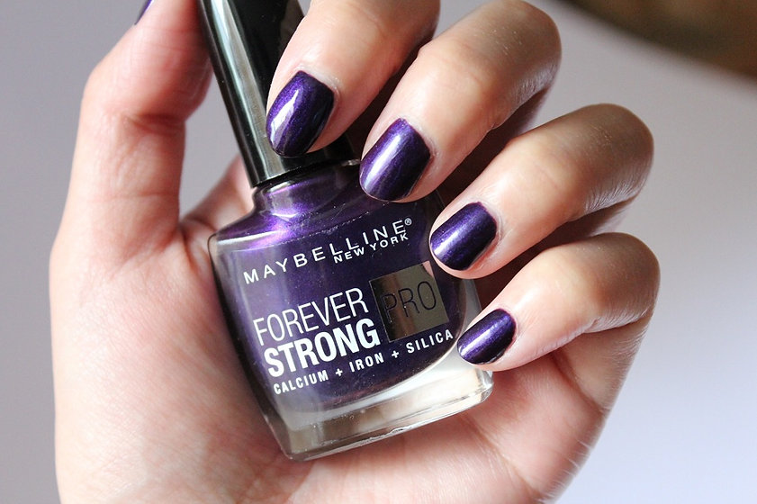 Maybelline-Forever-Strong-Nail-Polish-Re