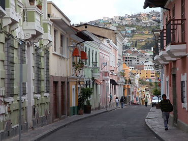 Students love in the Quito neighborhood of San Marcos