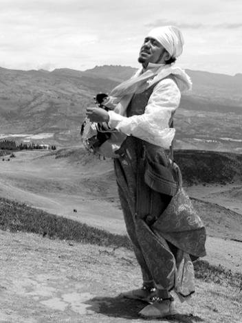 Quito Eterno, actor, poet, playwright, teacher, researcher, puppeteer, El Danzante, El Diablo