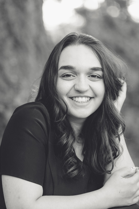 brianna mahmud as a senior_ amy coles photography_2021-98.jpg