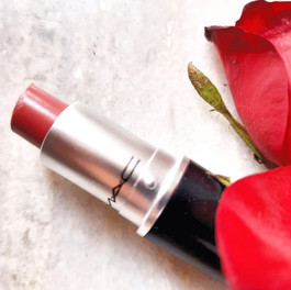 5 Everyday Lipsticks For Different Skin Tones