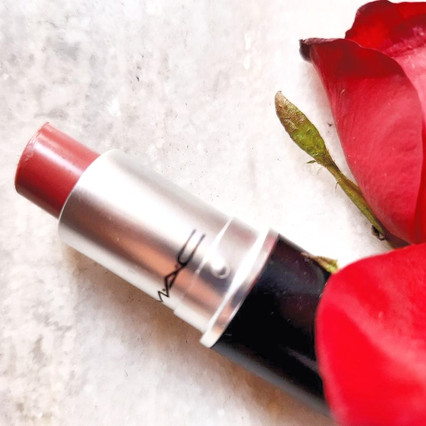 5 Everyday Lipsticks For Different Skin Tones