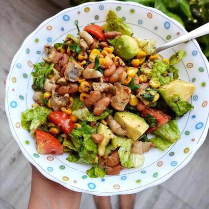 2 Classic Salad Recipes For A Bigger Bite