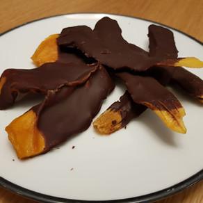 פירות יבשים בשוקולד