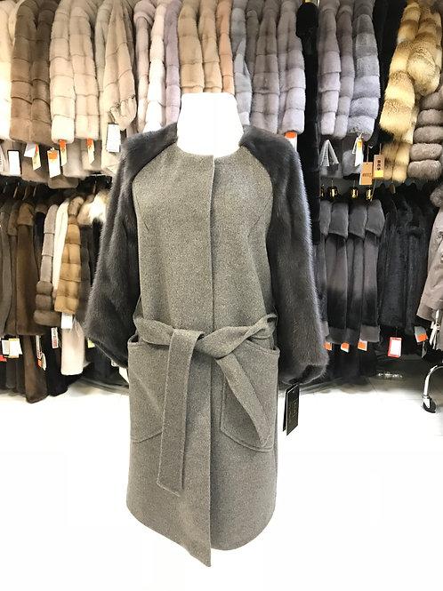 Женское пальто с мехом норки в Дубне. Каталог и цены