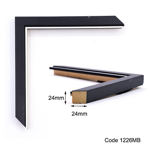 GM - Thin wooden frame with silver lining, black colour