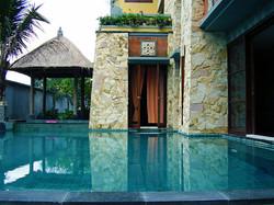 Aquarius Infinity Swimming Pool