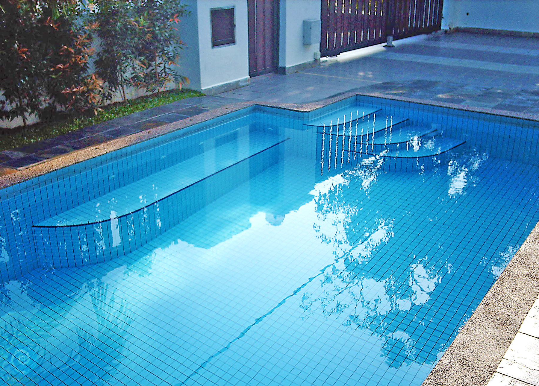 Aquarius Skimmer Swimming Pool