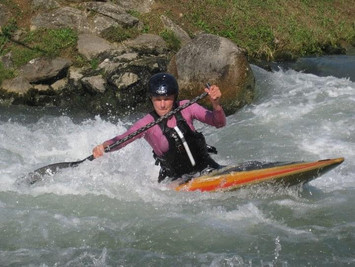 One of the first times paddling a C1 on the whitewater. Sault Brenaz, France