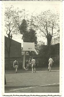 Foto 2 Guiu     1955  camp de baix a La