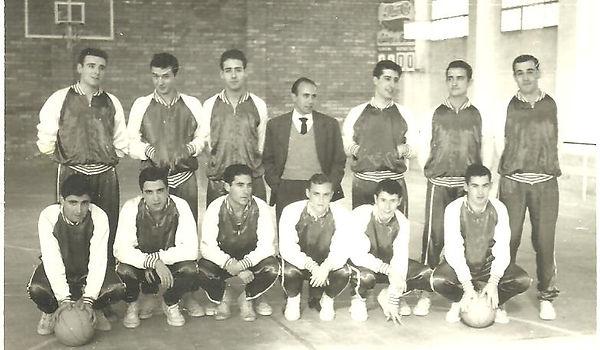 1962. Equip que va inaugurar la pista en