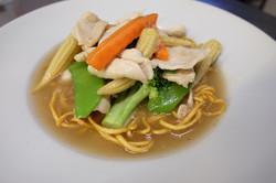 Lad-Nah (Flat noodle or crispy eggs