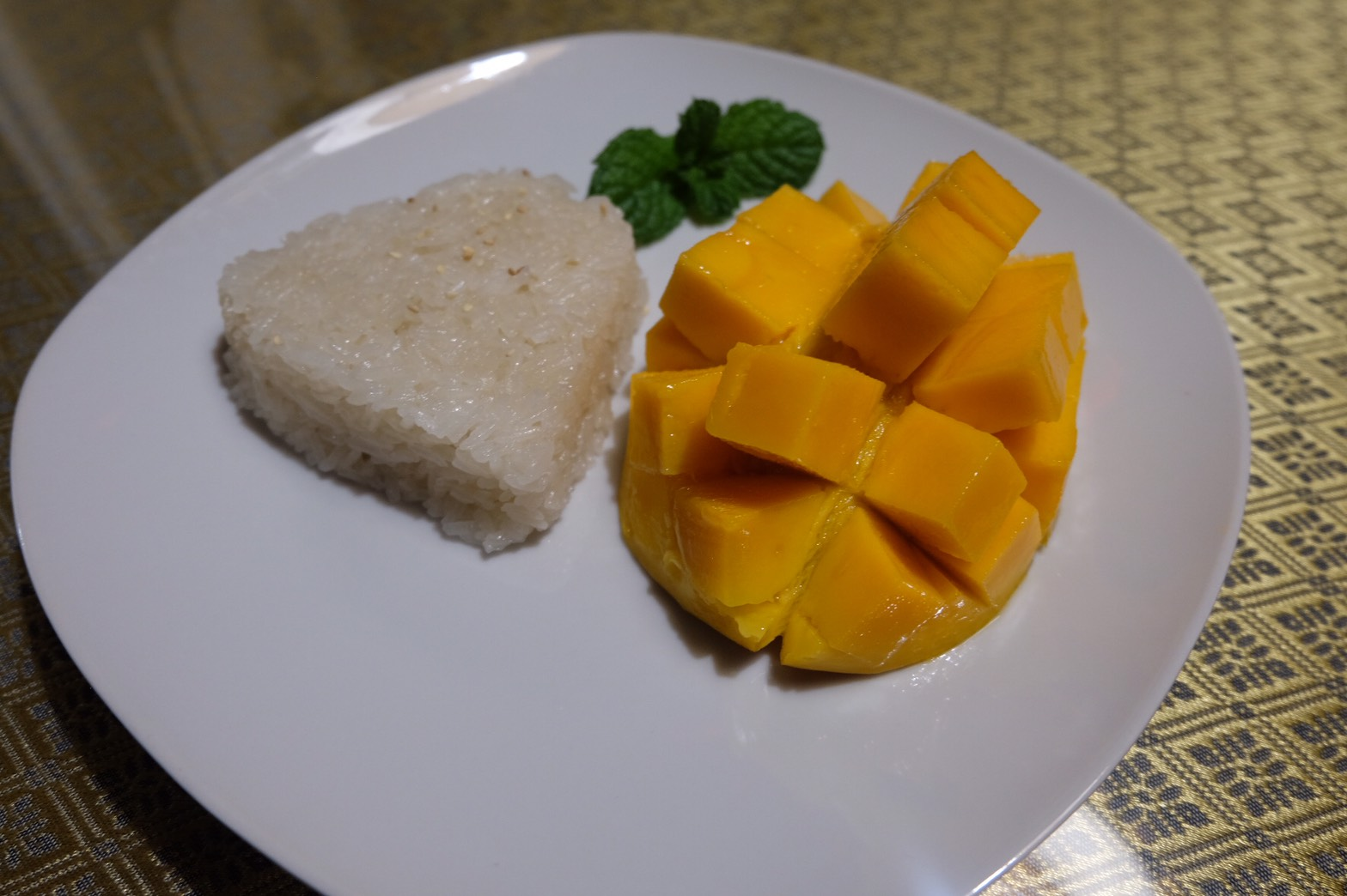Mango with sweet sticky rice