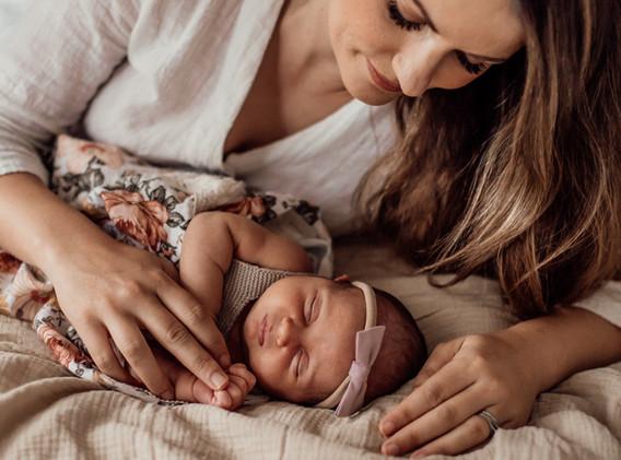 Naomi Newborn Family Photo Album-61.jpg