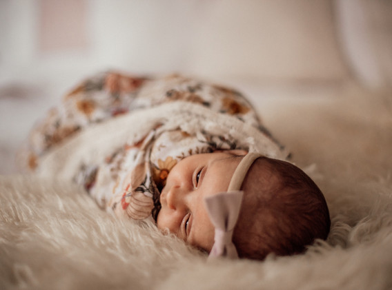 Naomi Newborn Family Photo Album-31.jpg