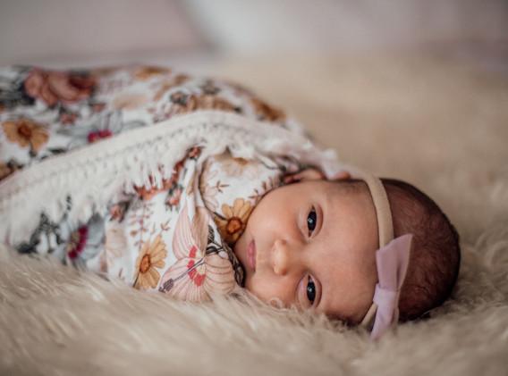 Naomi Newborn Family Photo Album-32.jpg