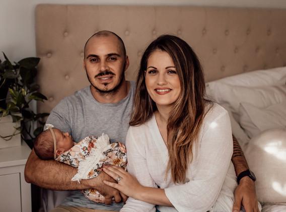 Naomi Newborn Family Photo Album-11.jpg