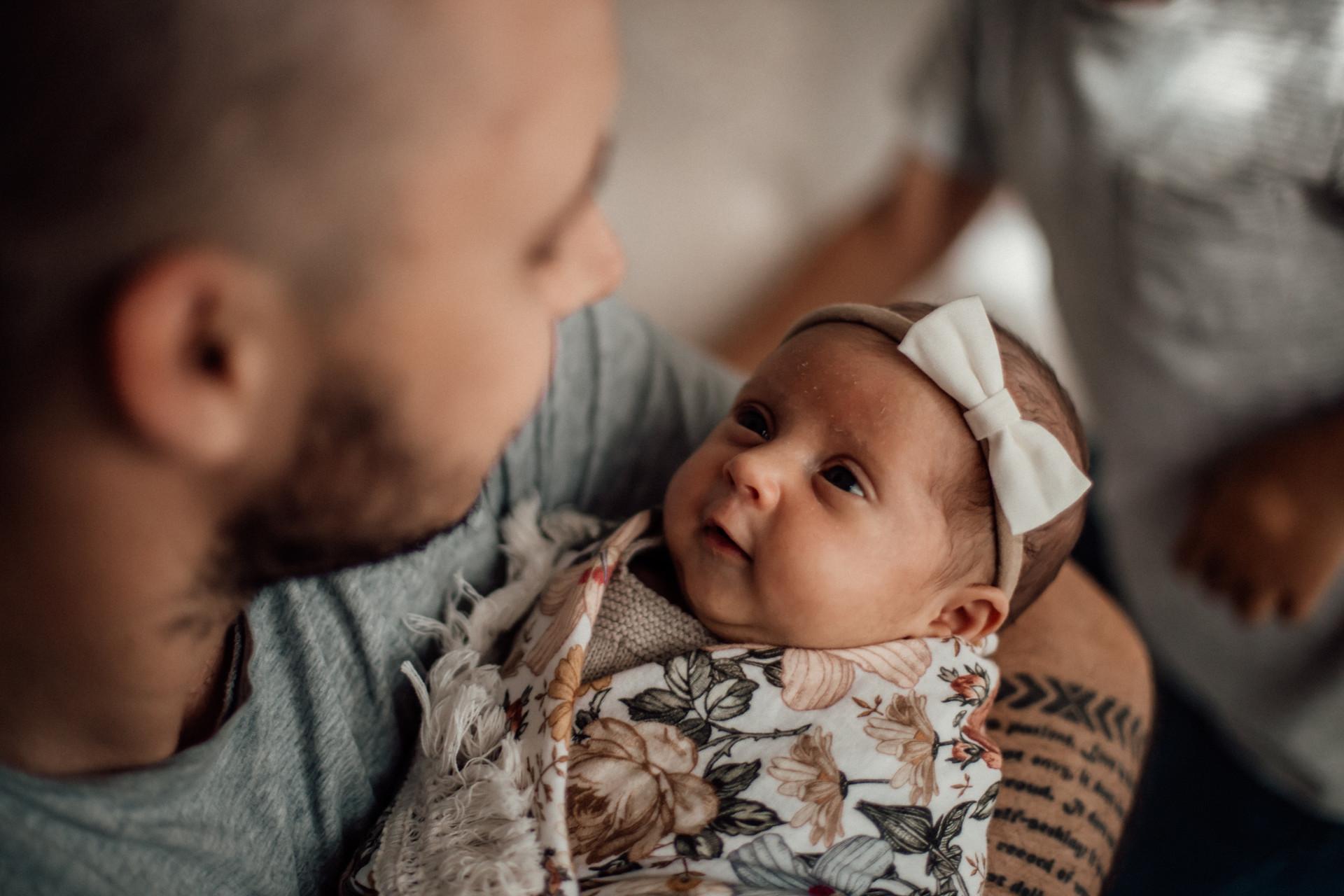Naomi Newborn Family Photo Album-7.jpg