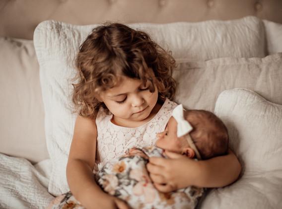 Naomi Newborn Family Photo Album-17.jpg
