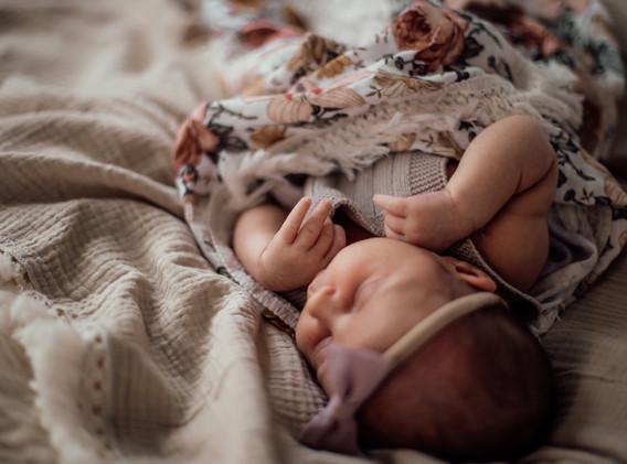 Naomi Newborn Family Photo Album-54.jpg