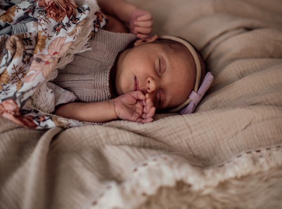 Naomi Newborn Family Photo Album-48.jpg
