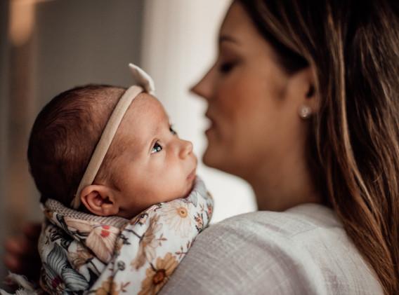 Naomi Newborn Family Photo Album-23.jpg