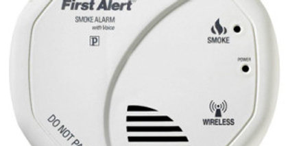 First Alert Battery Operated Combination Smoke and Carbon Monoxide Alarm