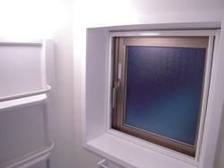 窓つき浴室