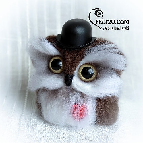 Owl in Love Felted wool gift / Collectible handmade
