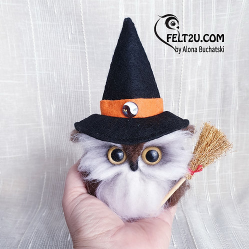 Owl Witch Felted wool gift / Collectible handmade
