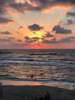 חוף הקשתות קיסריה.jpg