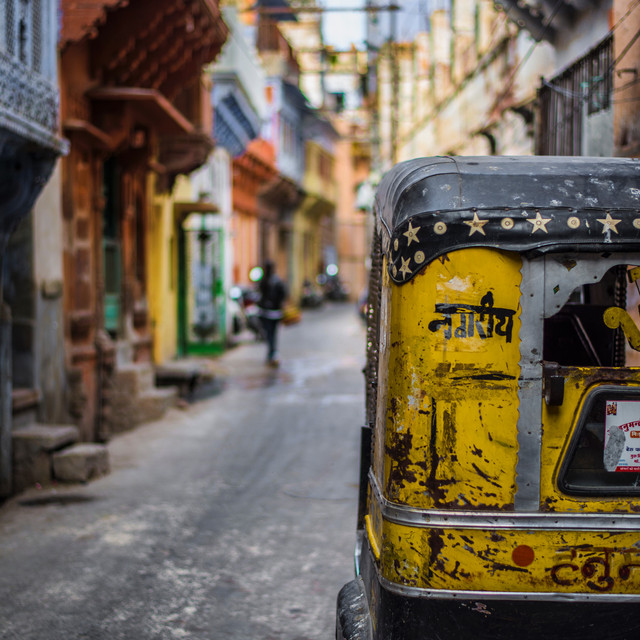 Plan your cultural travel to India - picture of colorful city