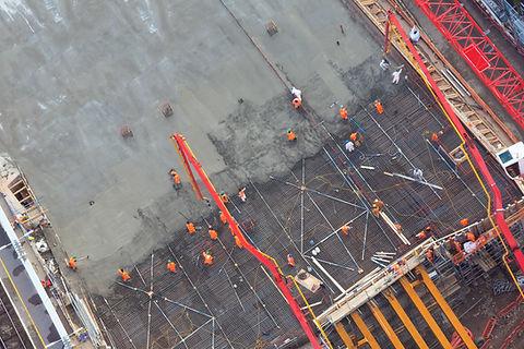 Gießen von Beton von oben