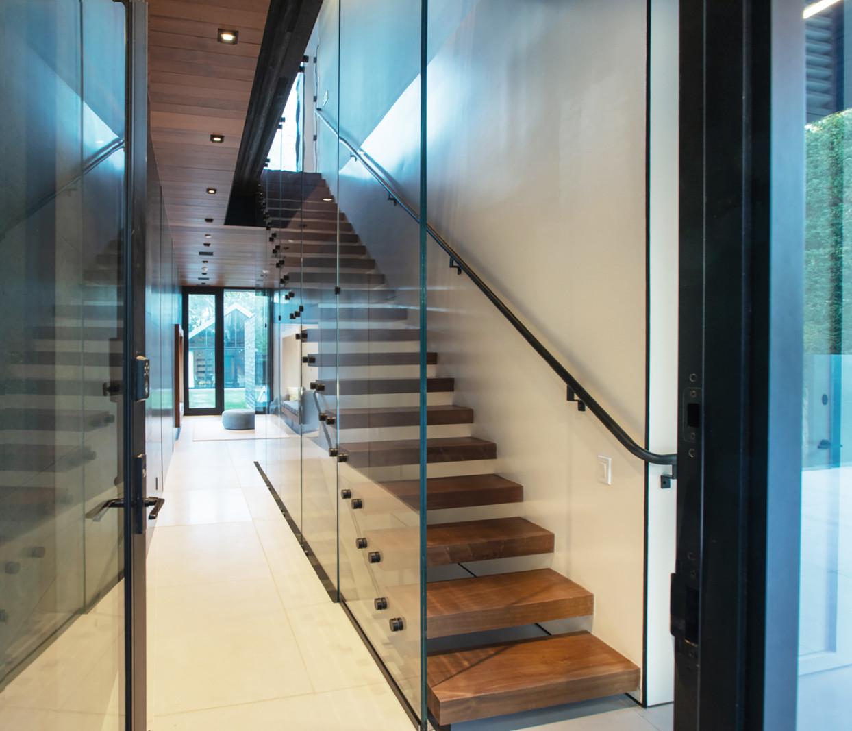 08 interior stair.jpg