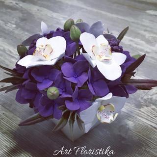 орхидеи с гортензией