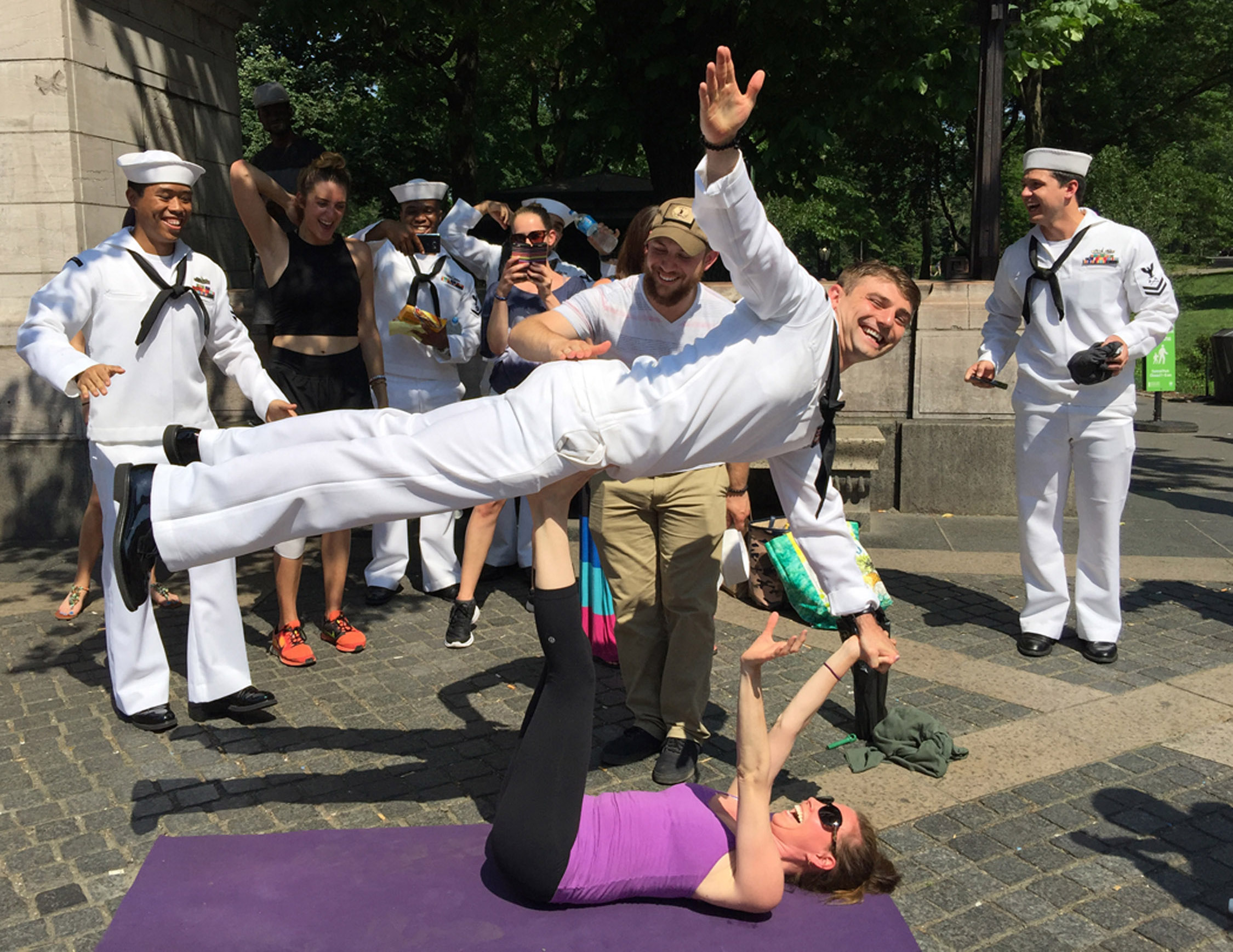 janelduross_fleet_week_acroyoga