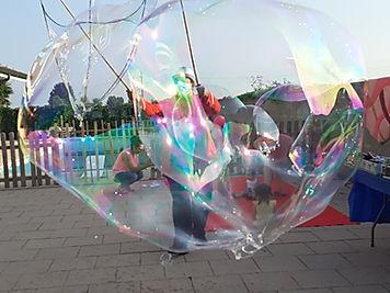 spettacolo di bolle di sapone.jpg