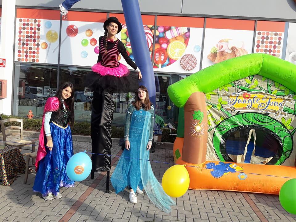Artisti giocolieri e trampolieri per feste ed eventi