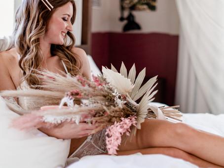 Bridal Boudoir Shooting - stilvolle und sinnliche Bilder - eine schöne Geschenkidee zum Hochzeitstag