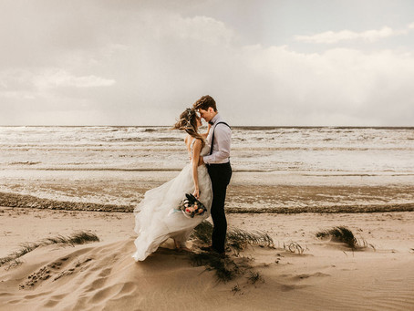 """Vivien & Josh - """"In den Dünen von Zandvoort"""" - After Wedding Shoot am Nordseestrand"""
