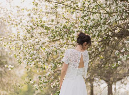 """""""Blütenmeer"""" - die Kollektion kurzer Brautkleider 2021 von Claudia Heller"""